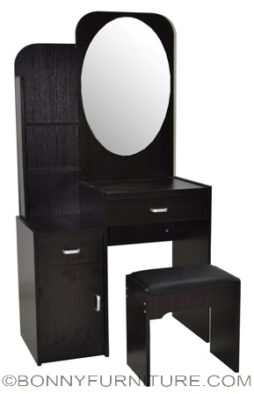 vh-03# dresser with stool